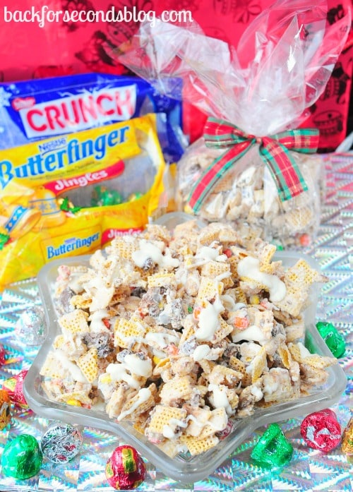 INSANELY GOOD - Butterfinger Toffee Crunch Mix https://backforseconds.com #candy #recipe #party #chex
