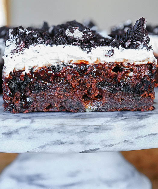 Marshmallow Oreo Fudge Cake - Incredibly delicious with a secret ingredient!