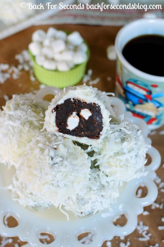 Brownie Snowballs - A fun, festive treat to add to your holiday baking list! https://backforseconds.com #christmasdessert #snowball #brownierecipe #shop #KraftEssentials