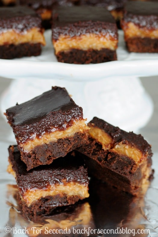 Easy Homemade Samoas Brownies - Every time I make these, I love them more! https://backforseconds.com #samoas #brownierecipe #dessert