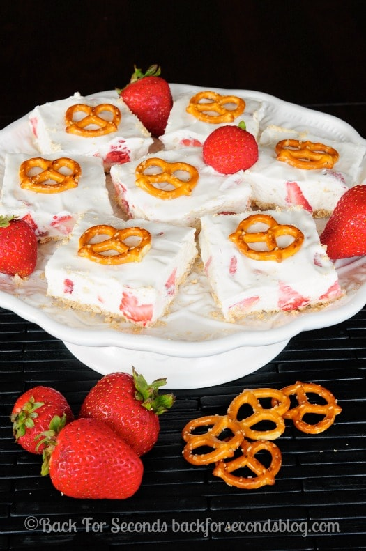 Strawberry Pretzel Bars Recipe