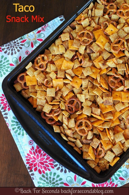 Baked Taco Chex Mix - such a yummy snack mix! #chex #snack #glutenfree
