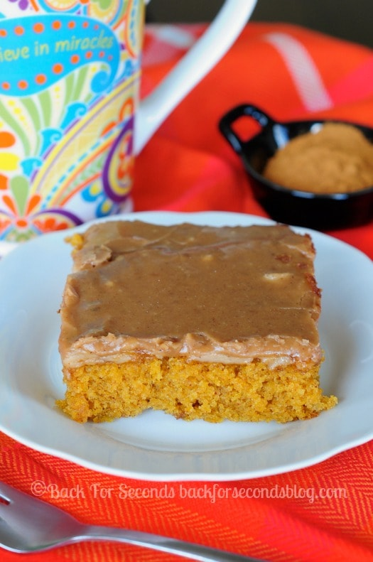 Best Pumpkin Spice Cake from Scratch - the icing is to die for!!! #pumpkinspice #pumpkindessert #fallfood