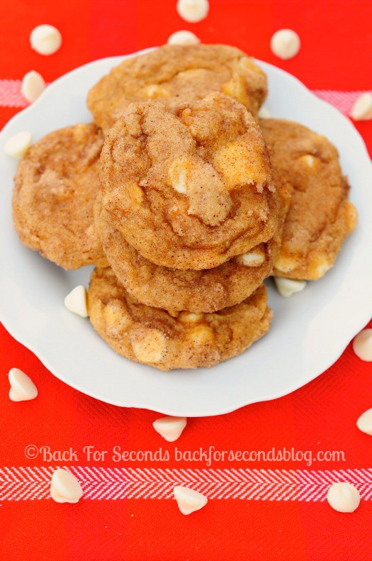 Chewy Pumpkin Apple Snickerdoodles - you NEED these!! #fallbaking #pumpkindessert #appledessert #cookies