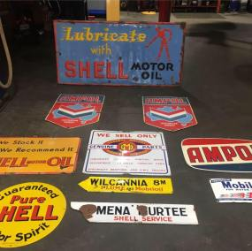 Signs shell mobil ampol
