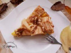 saftiger Apfelkuchen mit Walnuss-Topping
