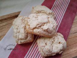 gebackene glutenfreie Brötchen