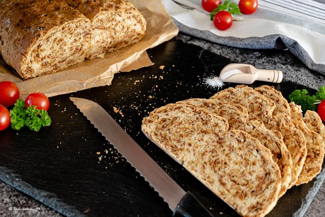 Brot mit Röstzwiebeln