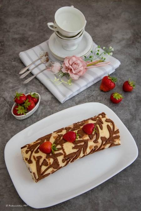 Erdbeer Biskuitrolle