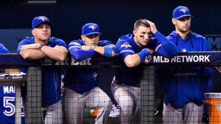Despondent Jays at the bench