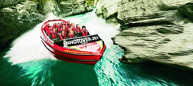 Shotover jet, go backpacking in new zealand