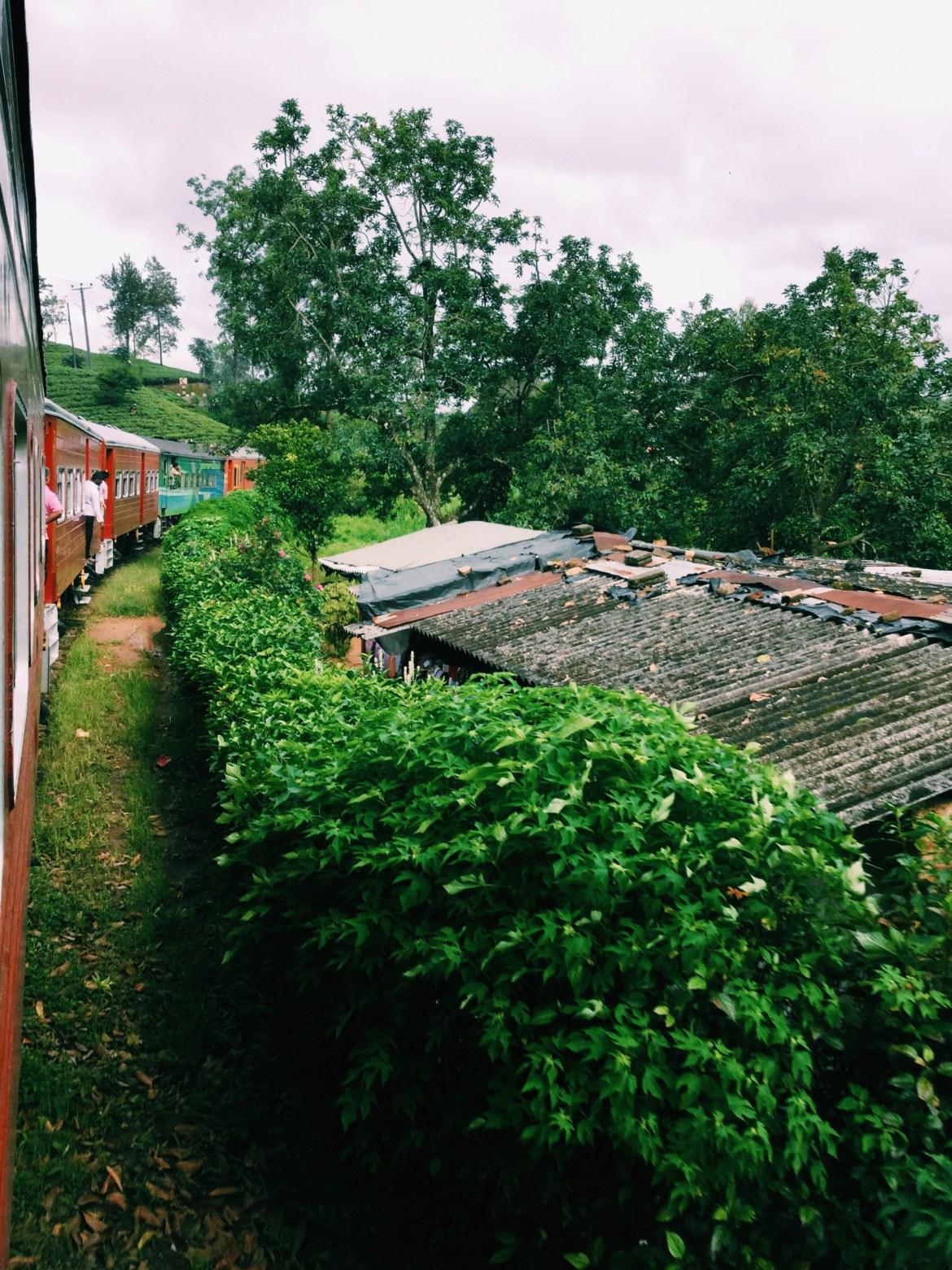 Sri Lanka Train Colombo to Kandy