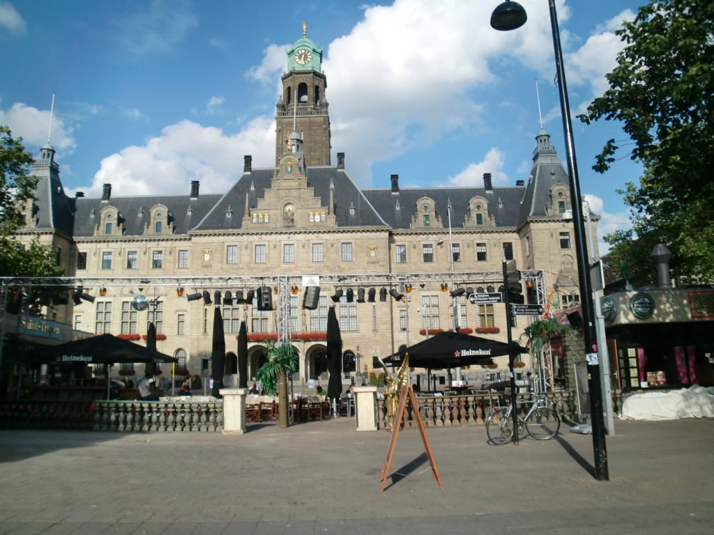 「ダム広場の王宮」はフランス皇帝ナポレオンの弟のルイ・ボナパルトの居城