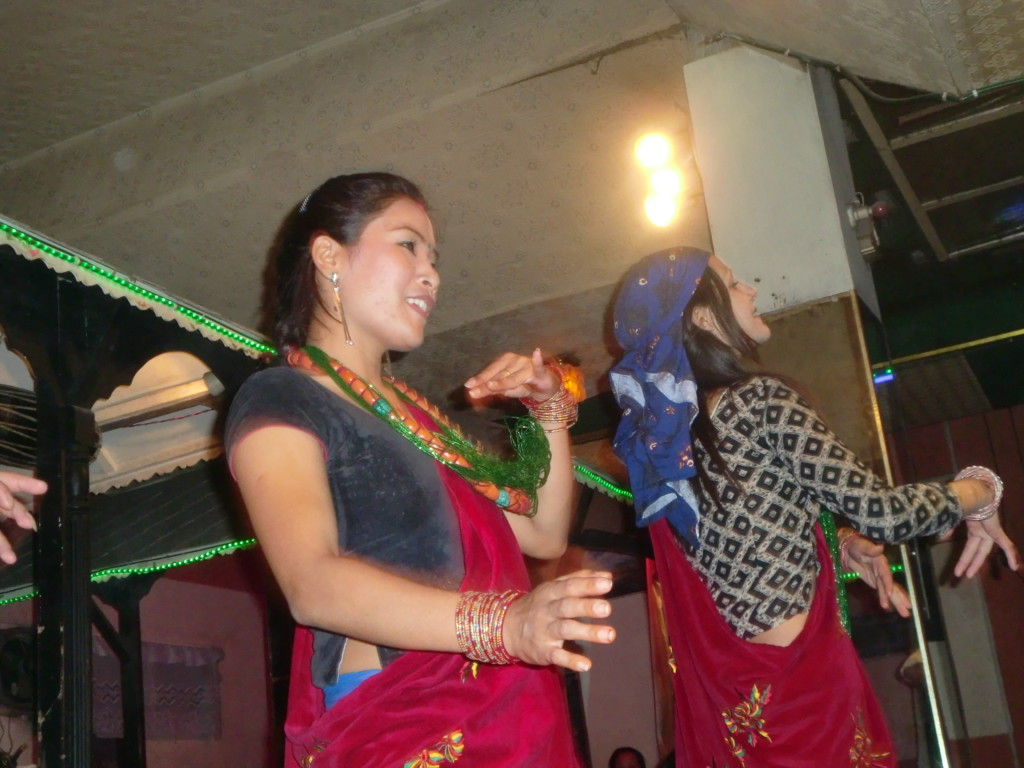 ネパールレストランのダンサーさん