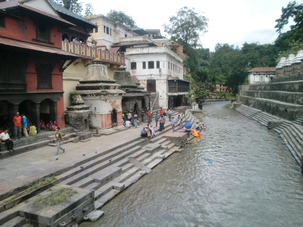 ネパール最大のヒンドゥー教寺院 パシュパティナート
