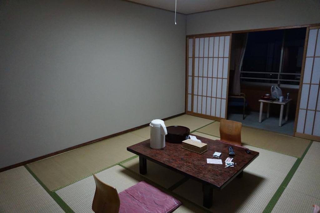 旅行人山荘の和室