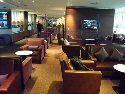 Thai Royal Silk Lounge at Bangkok Suvarnabhumi