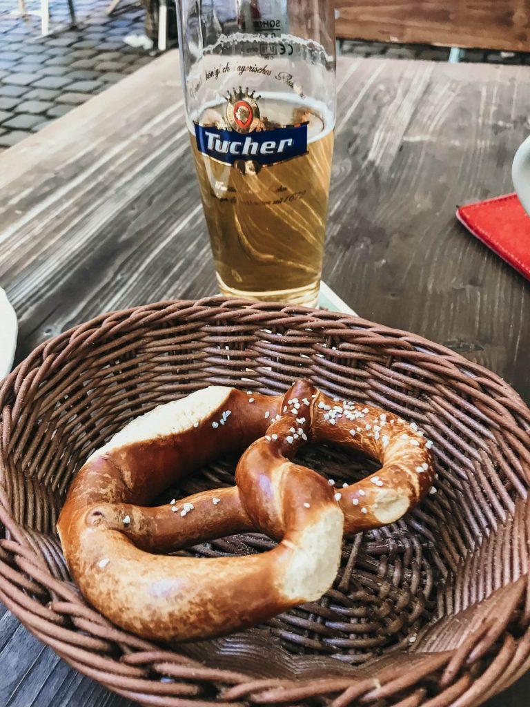 beer and bretzel