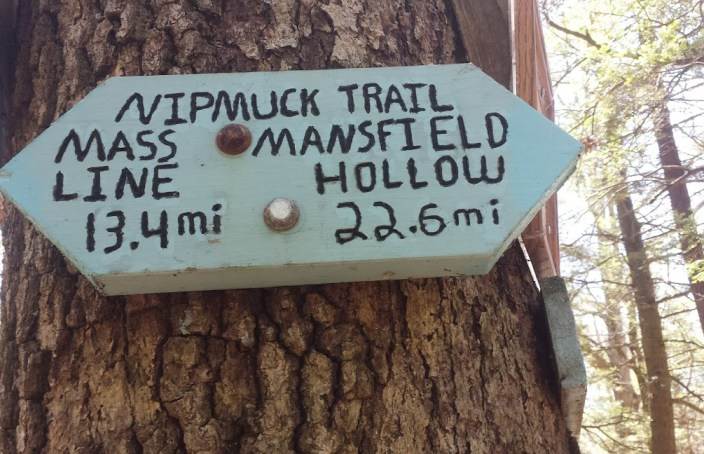 Nipmuck Trail Arrow Sign