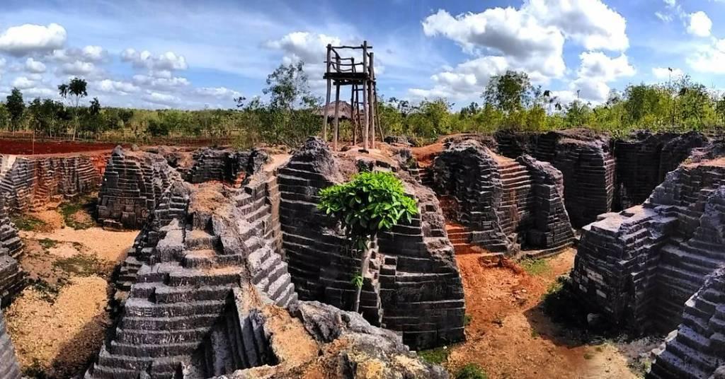 yogyakarta travel guide watu giring semanu
