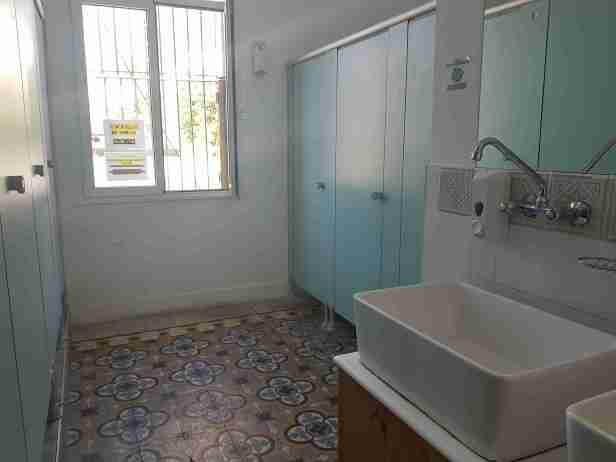 Uni sex bathroom Roger's House Tel Aviv