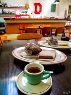 Espresso and lekker doughnut