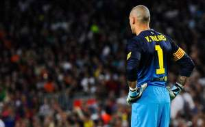 Middlesbrough confirm signing of goalkeeper Victor Valdes