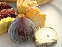 Ripe Figs With Cheese