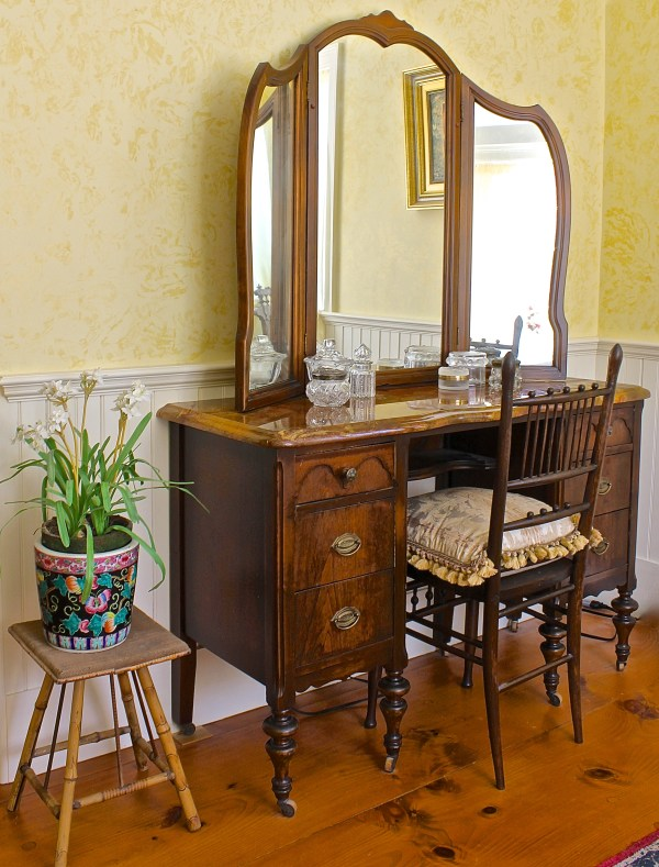 Img 9863 Antique Dressing Table With Marble Top