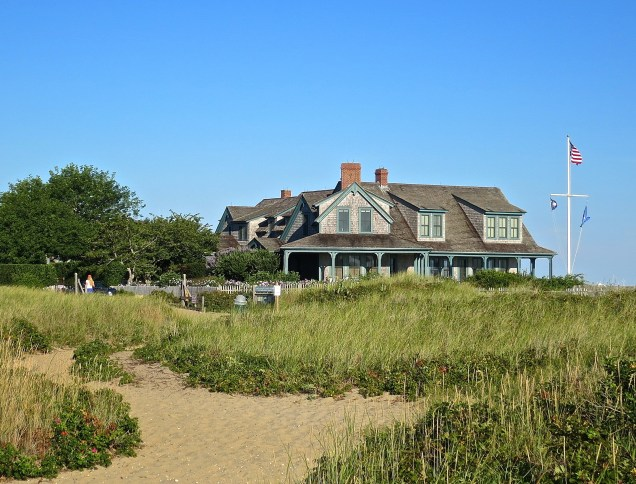 Nantucket Beach Side Home