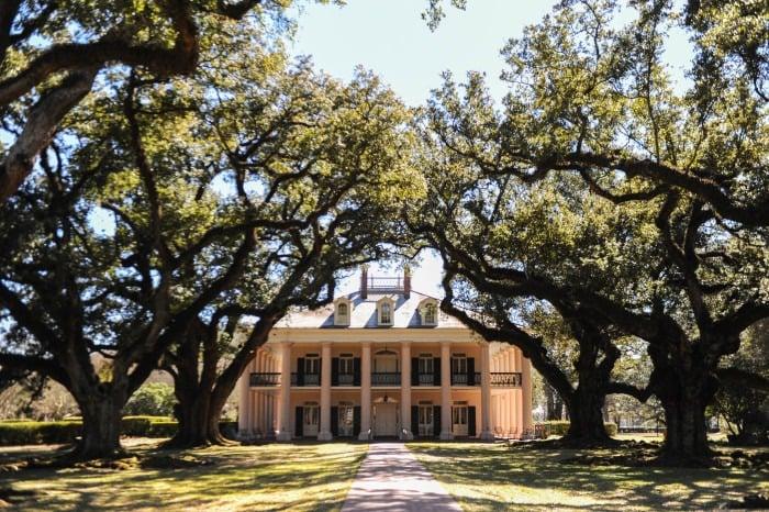 Oak Alley Plantation Home (1)