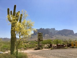 Goldfield Ghost Town and Superstition Mountains Arizona