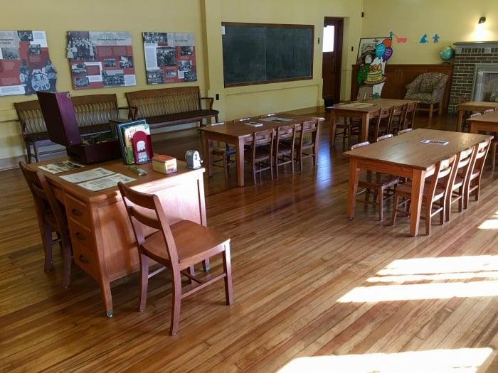 Brown Board Education NPS Site Topeka classroom