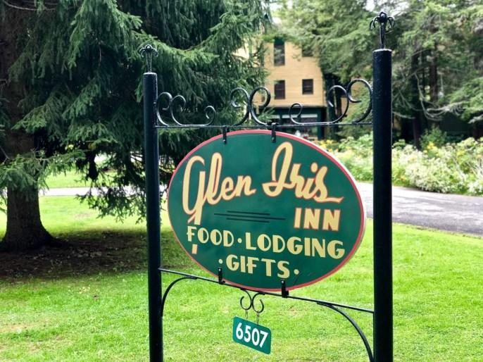 Glen Iris Inn sign