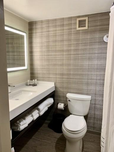 Atlanta Marriott Northeast bathroom