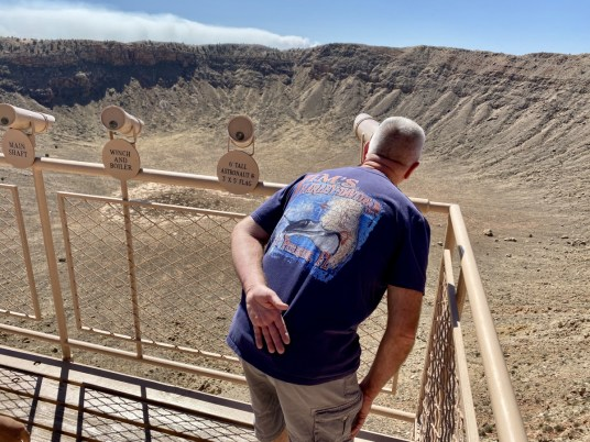 Meteor Crater spotting scopes - Tons of Fun Things to Do in Winslow Arizona
