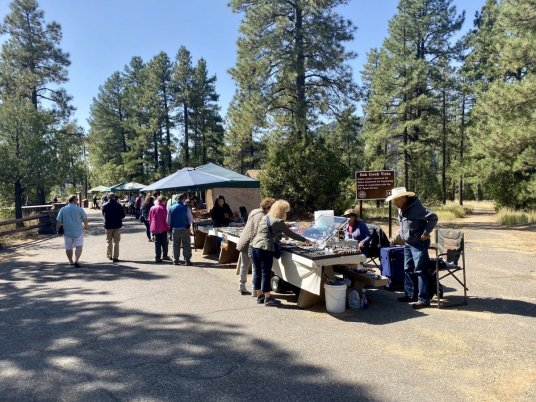 Oak Creek Vista vendors - 3 Stunning Sedona Scenic Drives