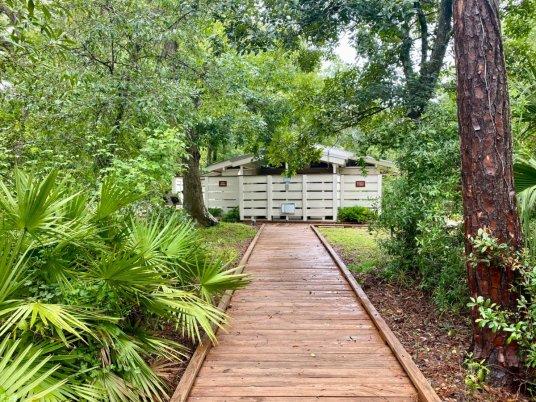 Lake Griffin SP bathhouse - Discover Lake County Florida Outdoor Adventures