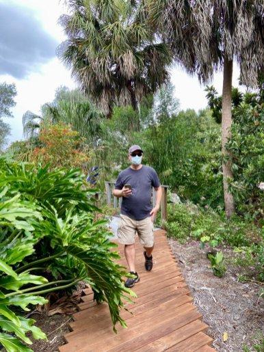 Social Distancing in public garden - Discover Lake County Florida Outdoor Adventures
