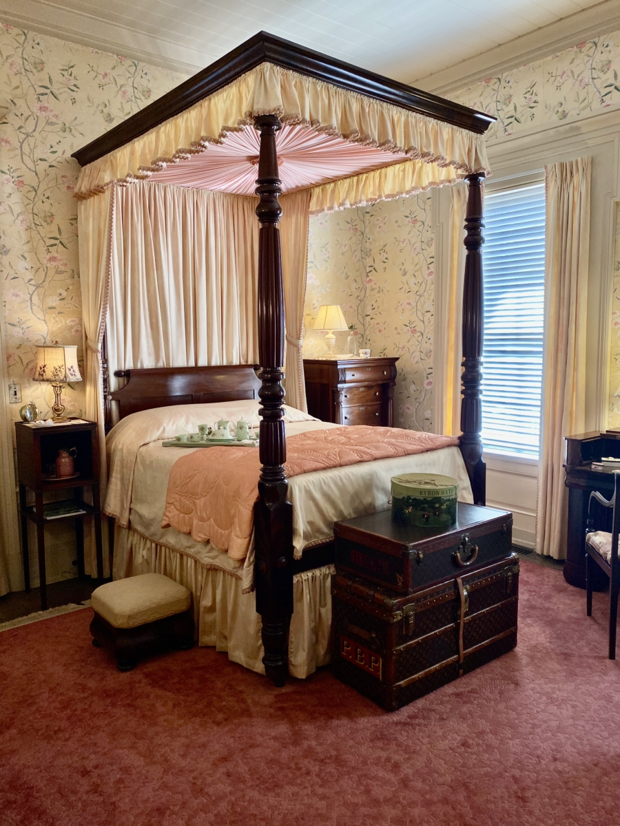 Pebble Hill pink suite Louis Vuitton luggage - Encounter Historic Quail Hunt Plantations in Thomasville GA