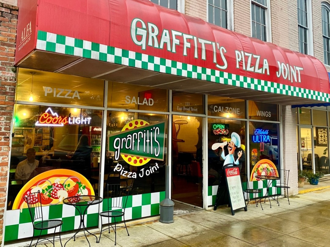 Graffitis Pizza Joint Eufaula - Outdoor & Historical Things to Do in Eufaula Alabama