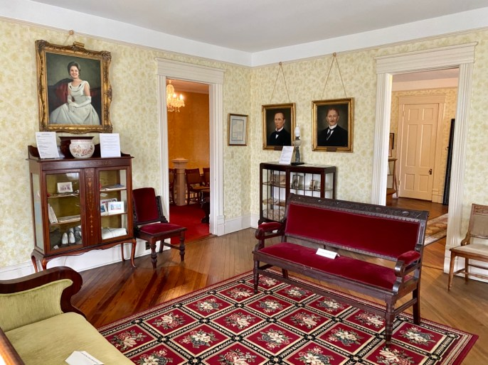Shorter Mansion Governors Parlor - Outdoor & Historical Things to Do in Eufaula Alabama