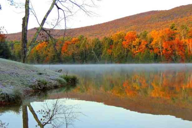Lake Shaftsbury in Autumn