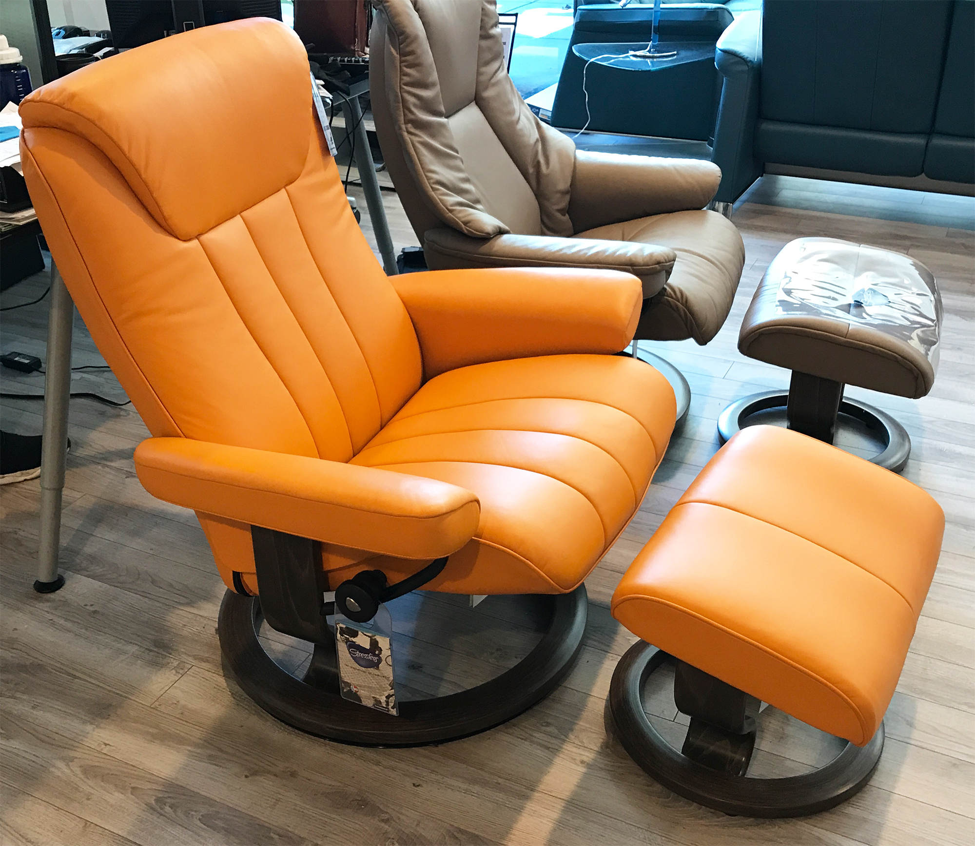 Leather Chairs With Ottoman Stressless Bliss Paloma Clementine Leather Recliner Chair By Ekornes