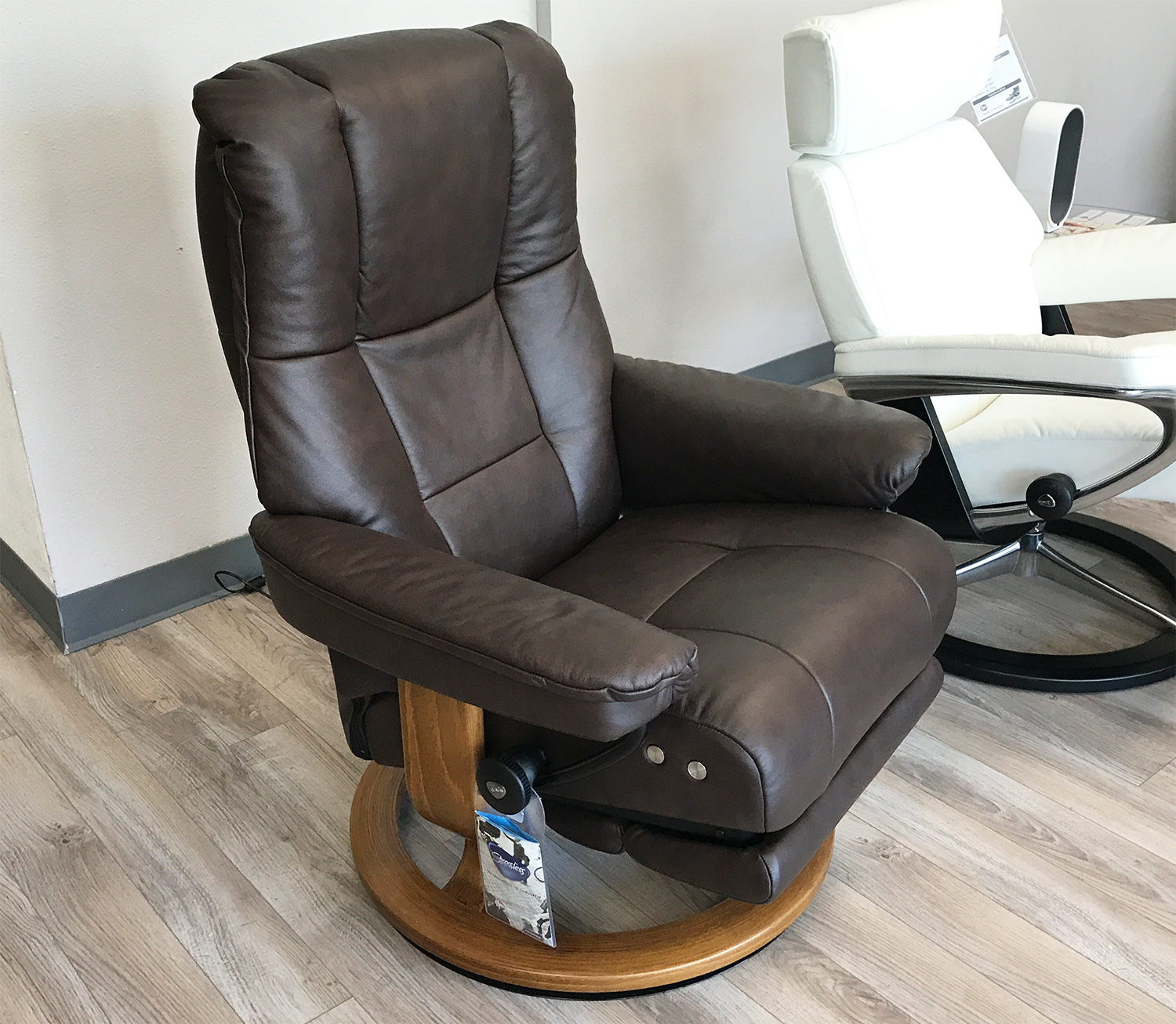Leather Reclining Chairs Stressless Mayfair Legcomfort Paloma Chocolate Leather Recliner Chair By Ekornes