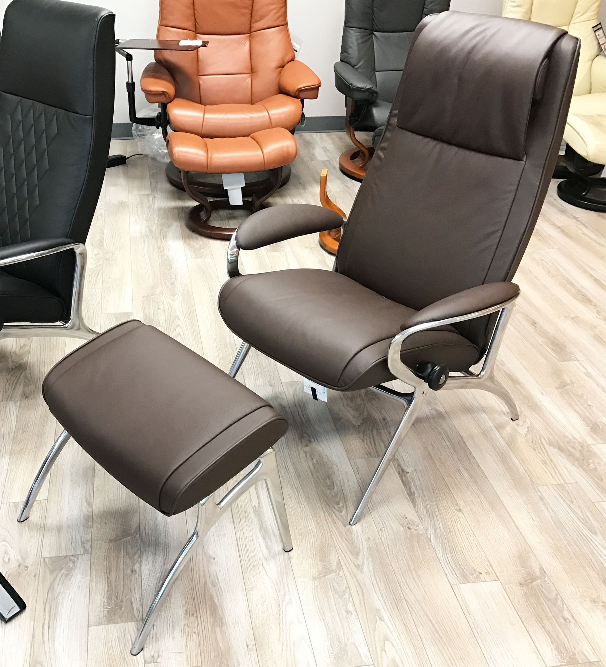 Brown Leather Chairs Stressless You James Aluminum Recliner Chair In Batick Brown Leather Recliner Chair And Ottoman By Ekornes