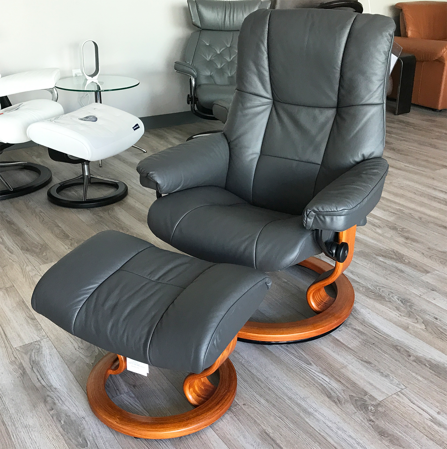 Leather Chairs With Ottoman Stressless Mayfair Paloma Rock Leather Recliner Chair And Ottoman By Ekornes