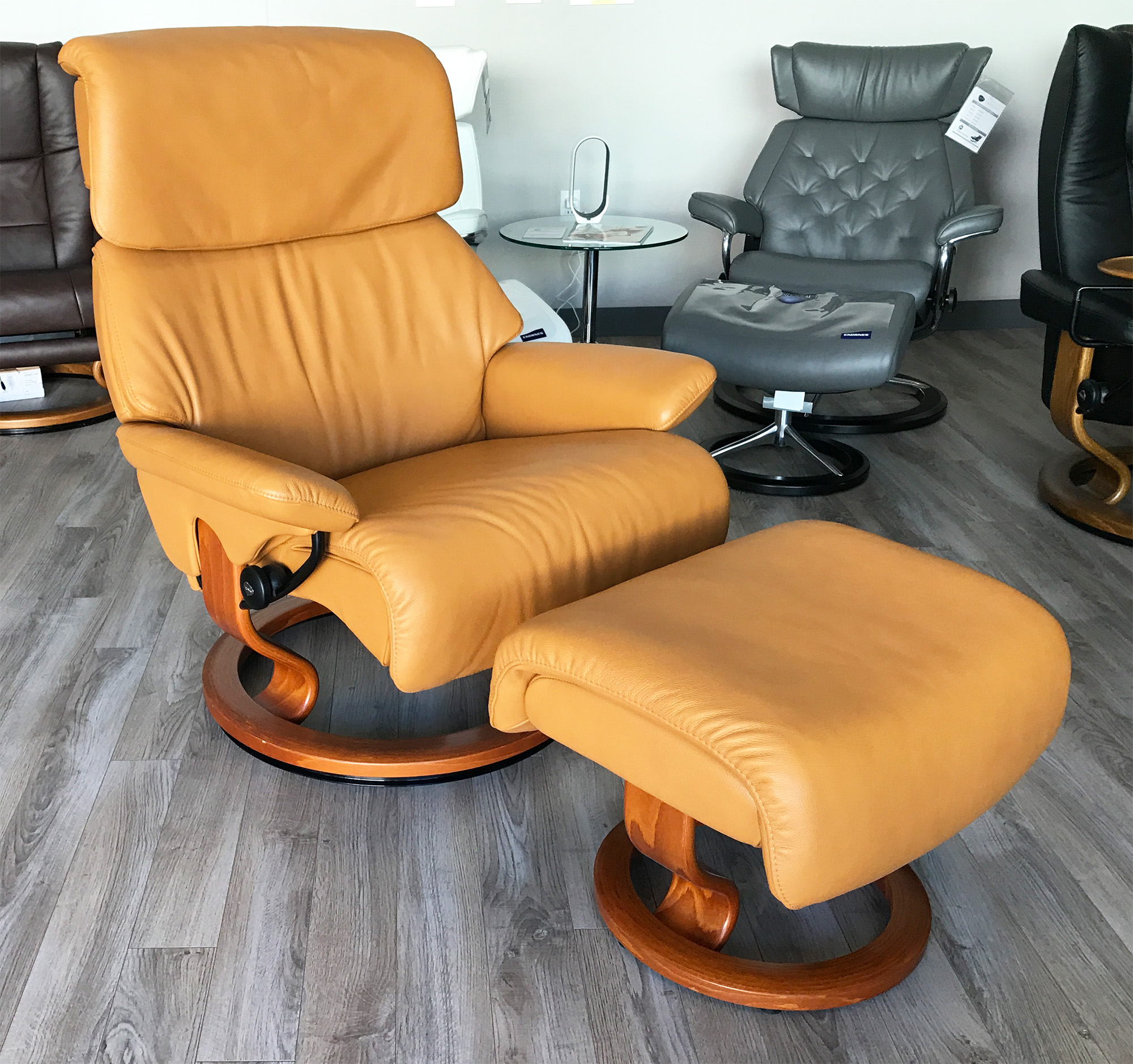 reclining chair with ottoman leather knoll replacement parts stressless spirit large dream cori tan recliner and by ekornes