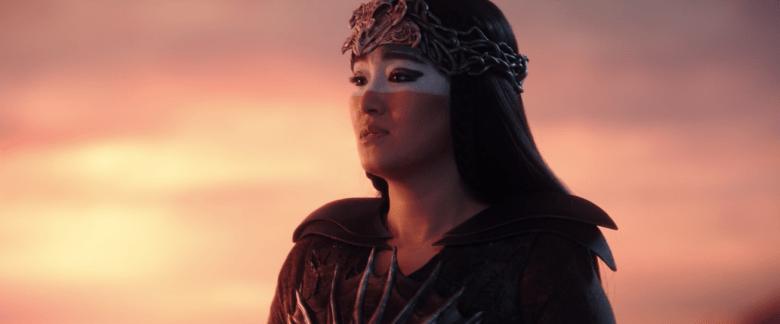 Xianniang looks at Mulan.