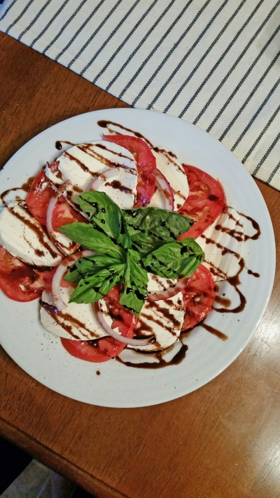 Easy-Peasy-Caprese_BackwardsNHighHeels